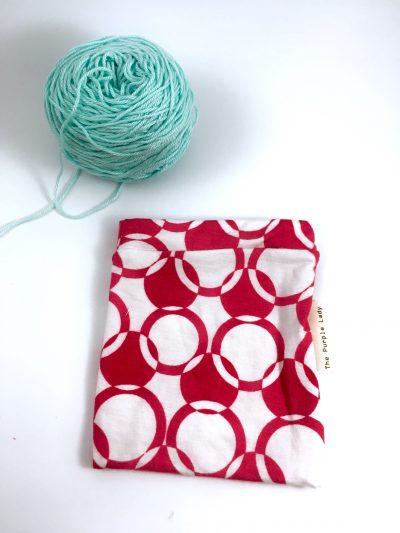 Yarn Sleeve Red Circles (Extra Rekbaar)