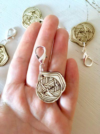 Houten Yarn Addict Ornament (3cm)