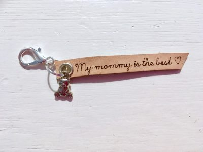 Leren Sleutelhanger – My Mommy is the best (Beertje)