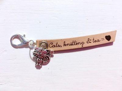 Leren Sleutelhanger – Cats, Knitting & Tea