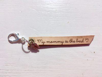 Leren Sleutelhanger – My Mommy is the best (Voetjes)